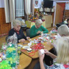 To już tradycja… w Cichawie osoby starsze dostaną świąteczne stroiki