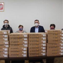 Gmina Gdów zakupiła 30 laptopów dla gminnych szkół