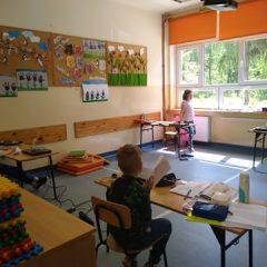 Pierwsi uczniowie wrócili do szkół