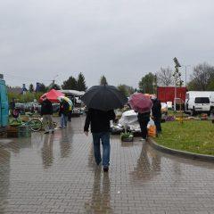 Plac targowy w Gdowie wznowił swoją działalność