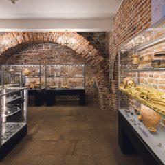 """Muzeum Żup Krakowskich Wieliczka zaprasza do zwiedzania wystawy stałej """"Pradzieje Wieliczki i okolic"""" w nowej aranżacji"""